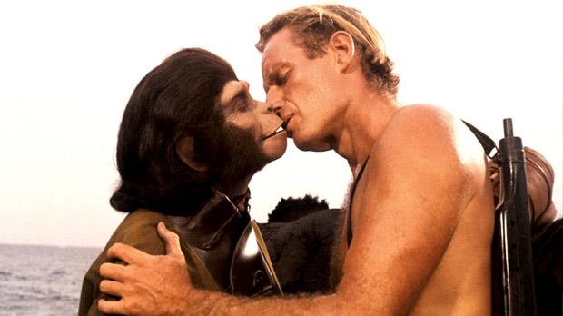CHARLTON-HESTON-PLANET-OF-THE-APES