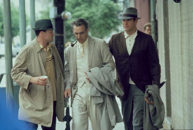 still-of-kevin-costner,-michael-rooker-and-jay-o.-sanders-in-jfk-(1991)